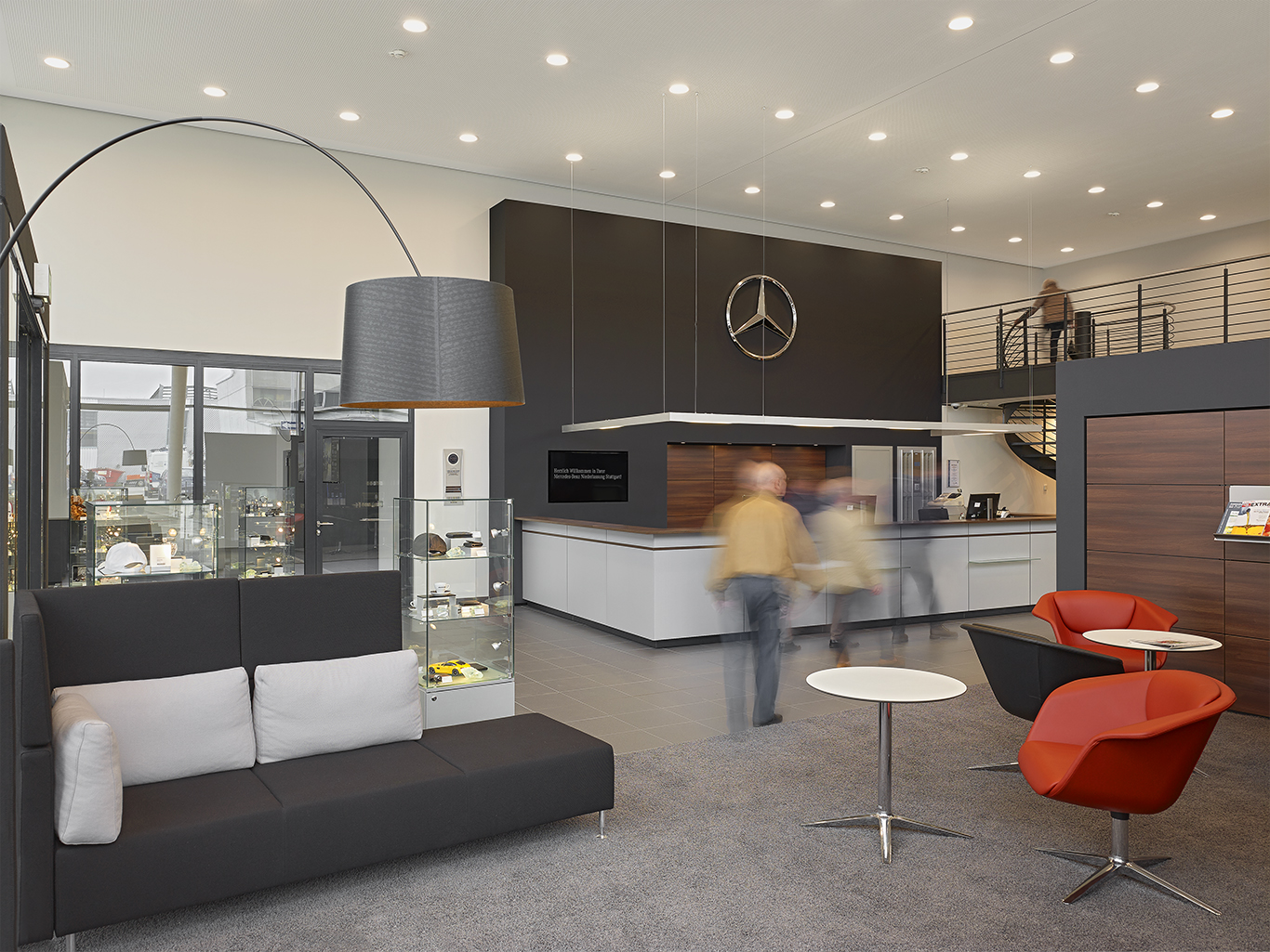 mercedes benz niederlassung frankfurt. Black Bedroom Furniture Sets. Home Design Ideas