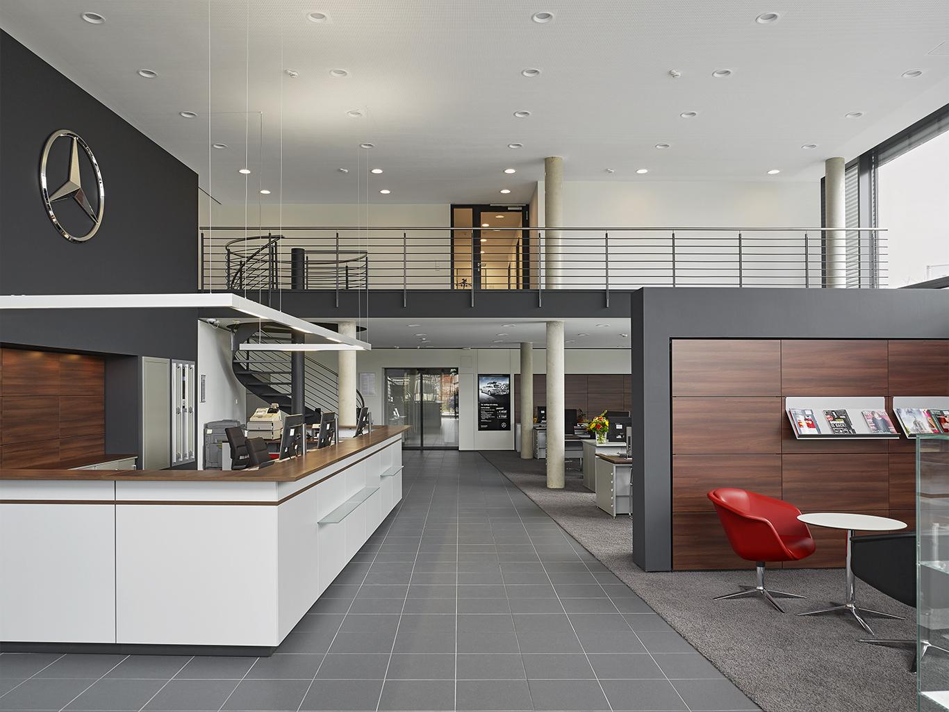 eine mercedes benz niederlassung achim birnbaum architektur fotografie. Black Bedroom Furniture Sets. Home Design Ideas